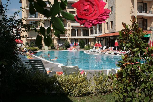 Rose Village Aparthotel