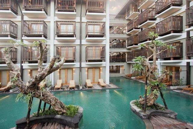 The Oasis Lagoon Hotel