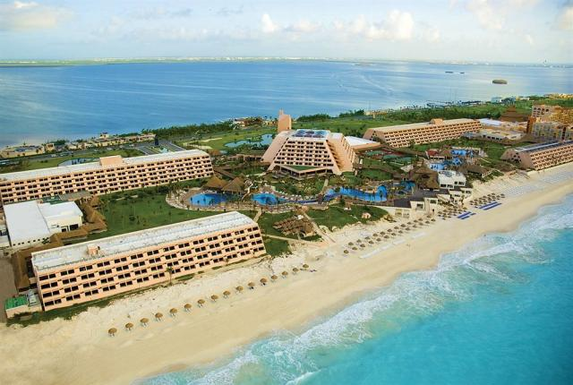 Oasis Cancún Grand