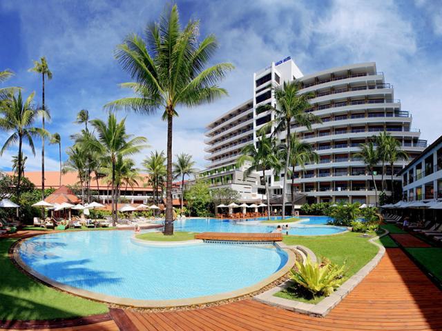 Patong Beach + Prince Palace