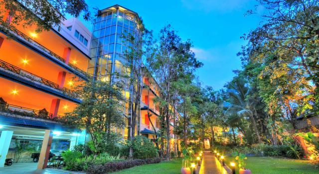 8 éj Pattaya (Citin Garden R.) + 3 éj Bangkok (Bangkok Palace)