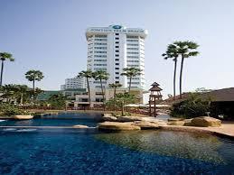 7 éj Pattaya (Jomtien Palm B.) + 2 éj Bangkok (Prince Palace)