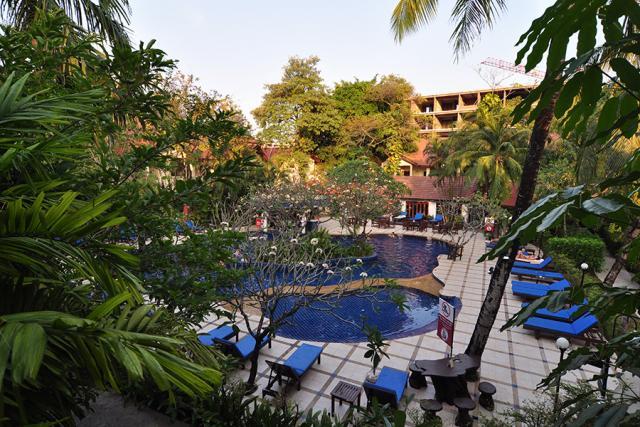 8 éj Phuket (Chanalai Flora) + 3 éj Bangkok (Prince Palace) Szilveszter