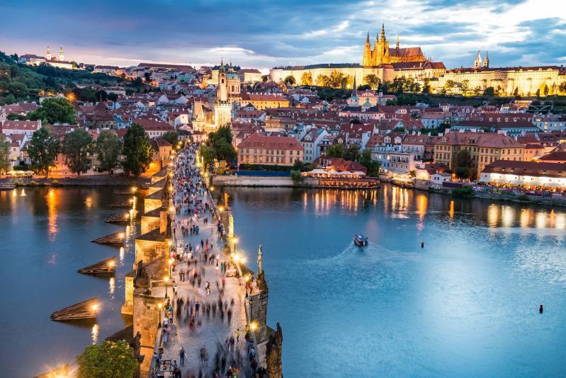 Pozsony-Prága-Bécs