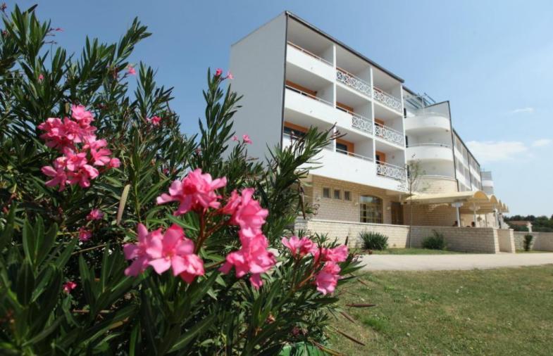 Hotel Alba - Sveti Filip i Jakov