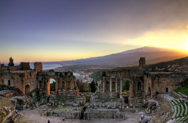 Körutazás és pihenés a Földközi-tenger két gyöngyszemén