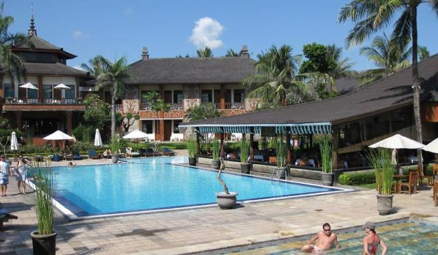 Jayakarta Beach Resort Residence & Spa