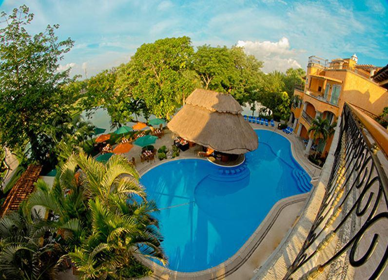 Hacienda Vista Real
