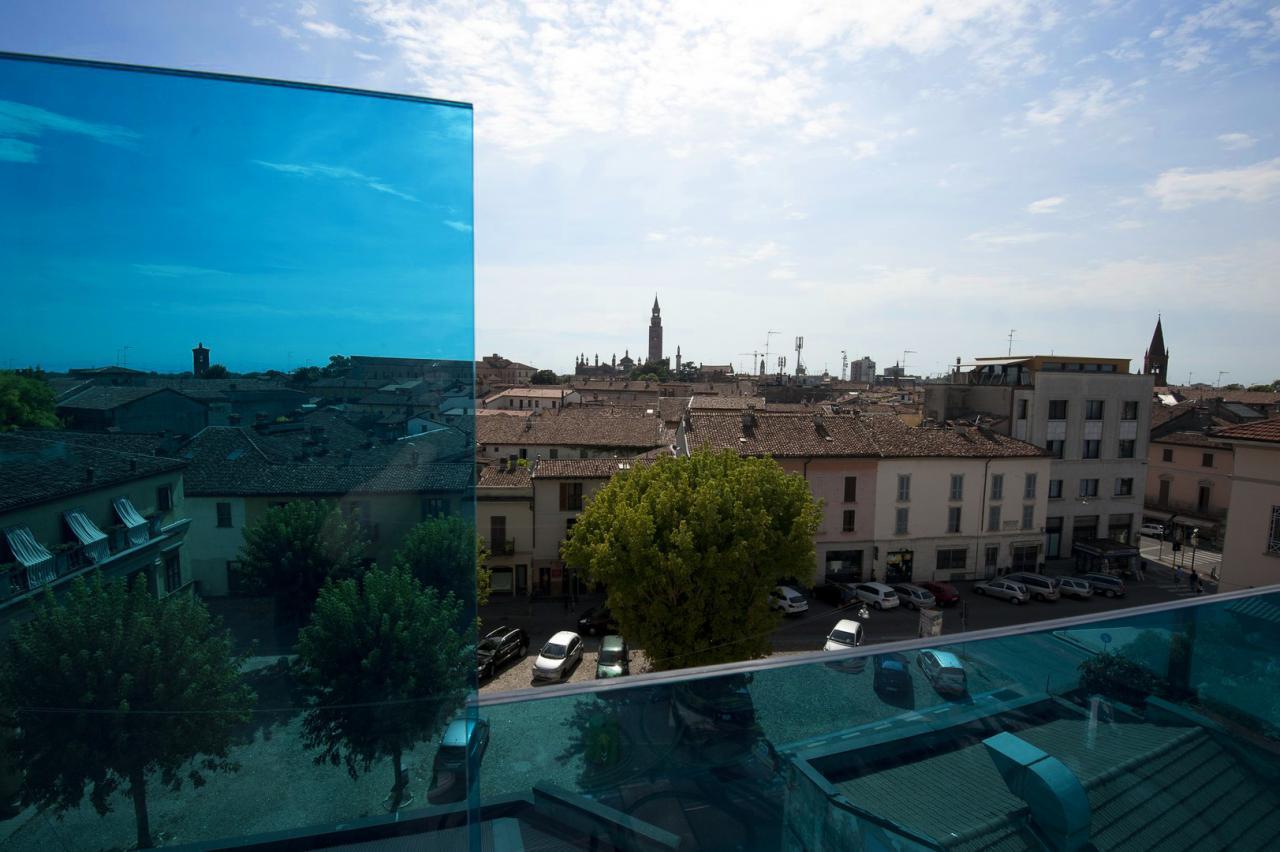 Cremona Hotels: Continental, Impero & Dellearti (Cremona)