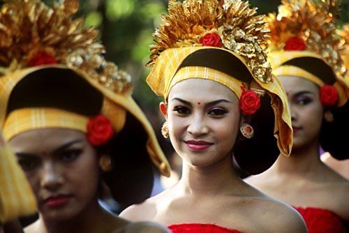 INDONÉZIA: CELEBESZ - JÁVA - BALI körutazás + KUALA LUMPUR
