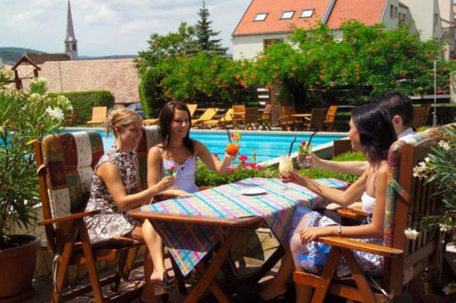 Édes évkezdet - Cappuccino Sopronból - Hotel Sopron