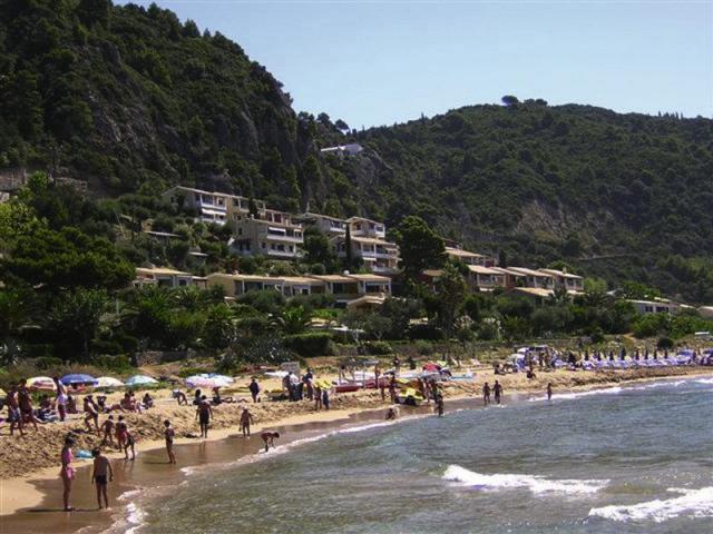 Menigos Resort / Glyfada Villas