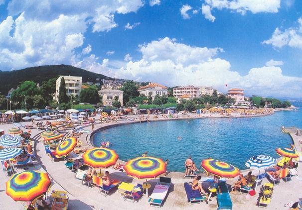 Fürdőzés a horvát tengerparton: Rijeka - Opatija