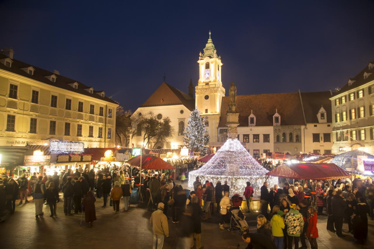 Advent Pozsonyban és vásár a Schloss Hofban