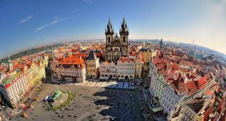 Egy egész nap Prágában