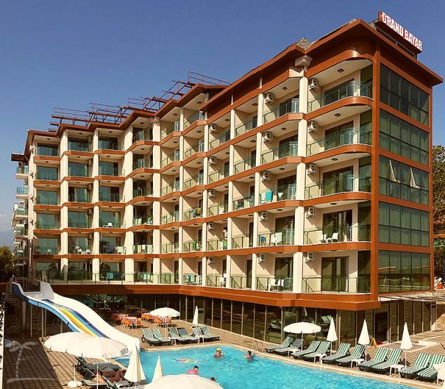Grand Bayar Hotel