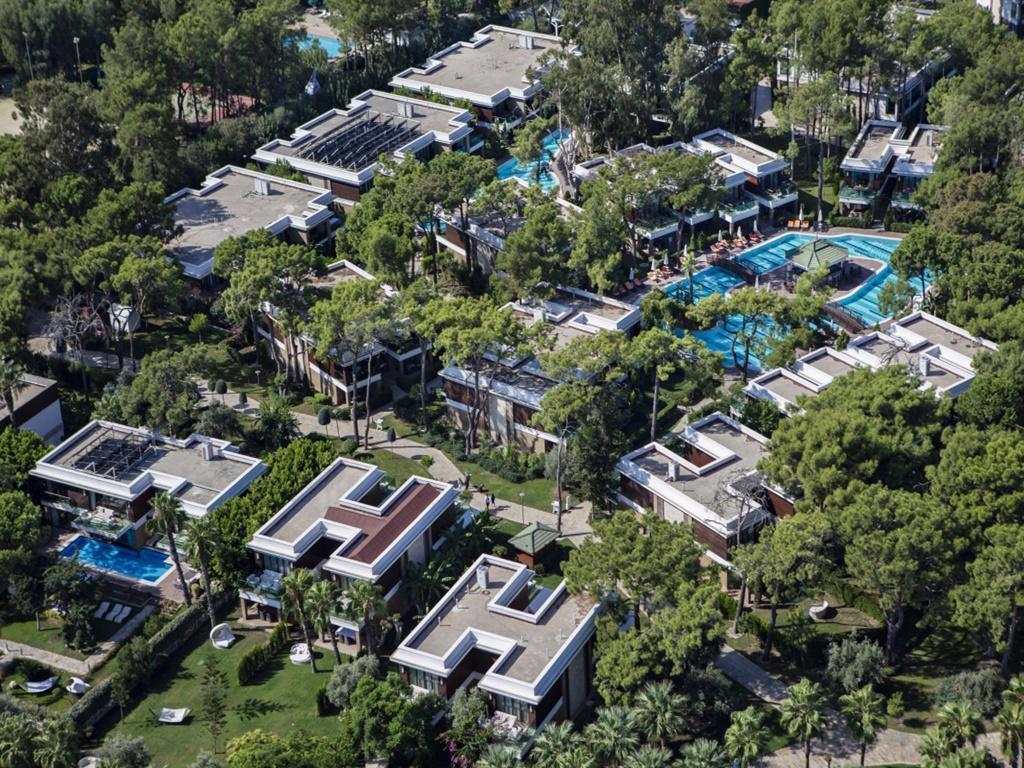 Nirvana Lagoon Villas Suite & Spa