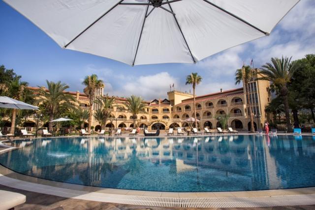 Le Chateau Lamboussa Hotel
