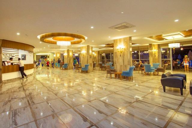 Blue Wave Suit Hotel