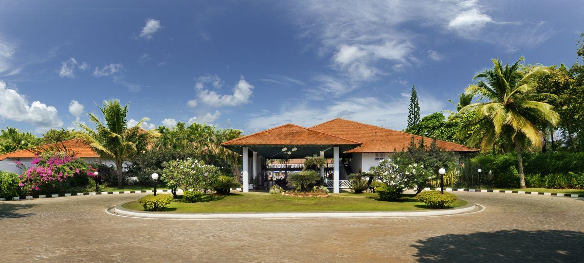 Dona Sylvia Beach Resort