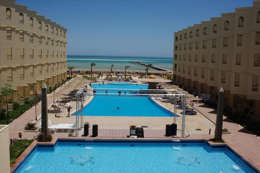 AMC Royal (Kairó - Hurghada)