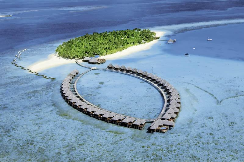 Vilu Reef Island Resort