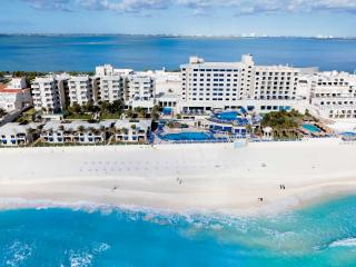 Barcelo Occidental Tucancun Beach Resort