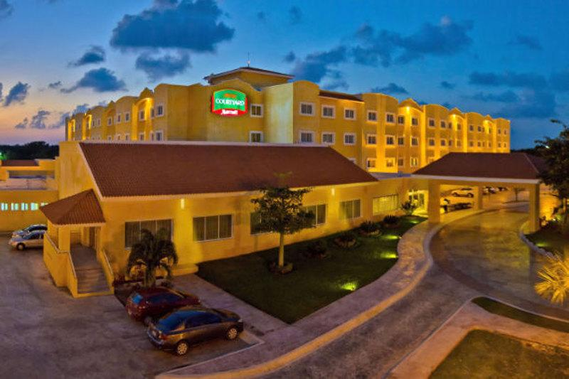 Courtyard Marriott Cancún Airport
